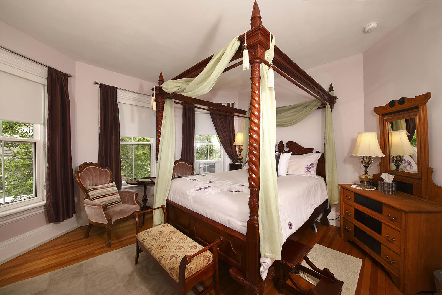 Summer Room inside Summerside Inn Bed and Breakfast